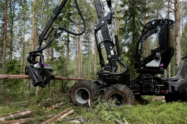 Forestry Journal: The Logset 8H GTE Hybrid is the company's second hybrid harvesting model, after the world's biggest-wheelbased harvester, the Logset 12H GTE Hybrid, which was launched in 2016.