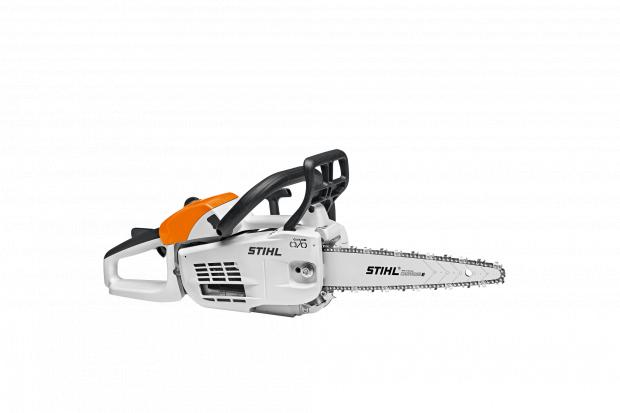 Forestry Journal: The MS 201 C-M carving saw is equipped with a specially adapted anti-vibration system, a carving guide bar and Stihl RMS carving chain.