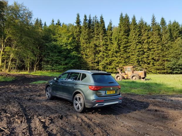 Forestry Journal:  Around the same size as a Škoda Kodiaq, the Seat Tarraco has 200 mm ground clearance, useful in this kind of terrain.