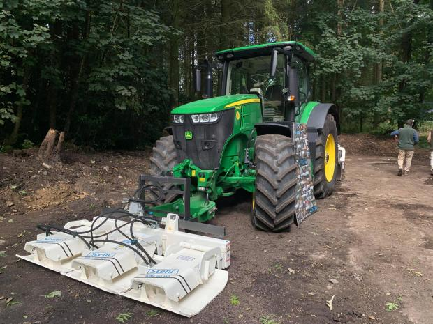 Forestry Journal: John Deere 7290 R with Stehr SBV 80 H3 plate compactor on the Reeds stand.