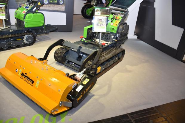 Forestry Journal: Remote-control Merlo multipurpose unit with Muthing cutter.