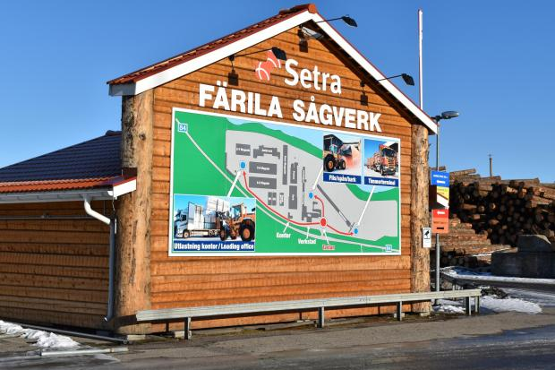 Forestry Journal:  The trip to Färila afforded the group the opportunity to explore a modern Swedish sawmill.